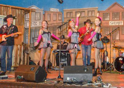 Dance-Ladies-Live-mit-der-Band