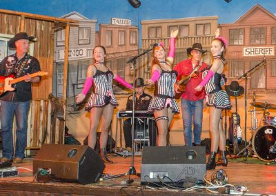 Dance-Ladies-Live-mit-der-Band